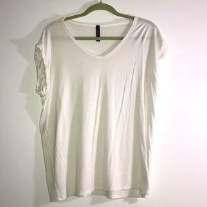 Jolie off-white shirt